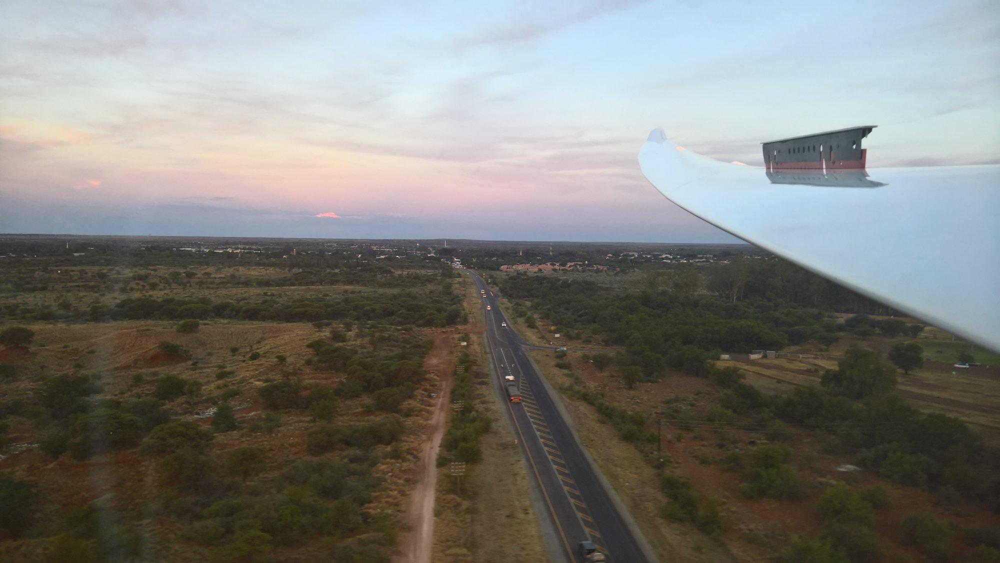 Landung kurz vor Sunset