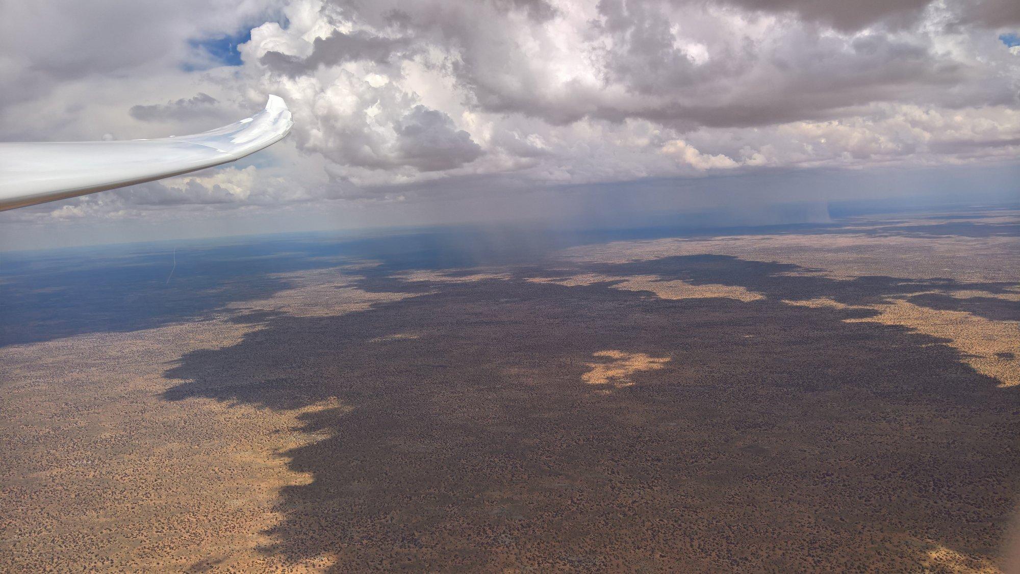 homogene-landschaft-in-botswana